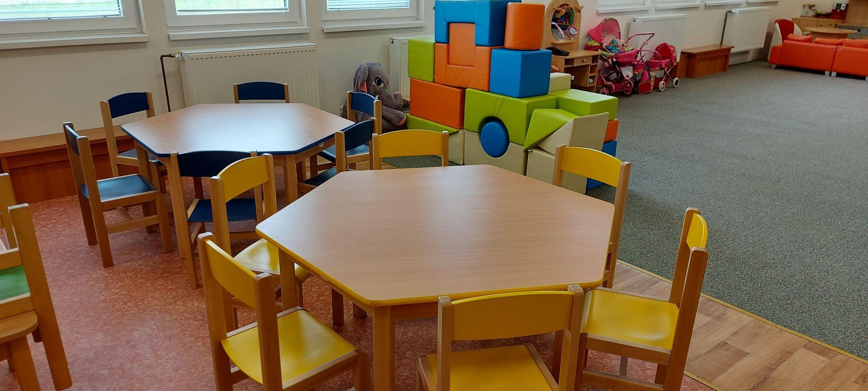 Nové židličky a stoly v MŠ